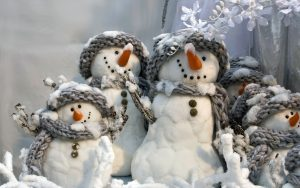 christmas-and-happy-new-year-snowmen-family_2560x1600_94266